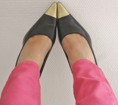 Zapatos punta metalizada / Cap-toe heels / Escarpins à bout metallisé