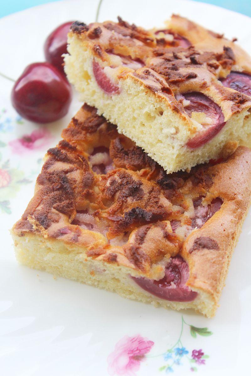 Ciasto z czereśniami i marcepanem