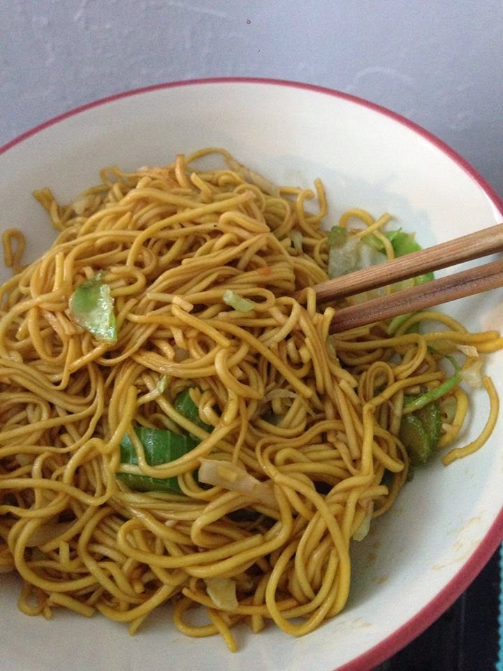 food for hungry people: chow mein better than panda express