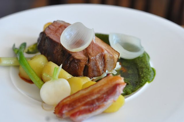 The+Corner+Room+Viajante+Town+Hall+Hotel+review++lamb+rump+baby+vegetables