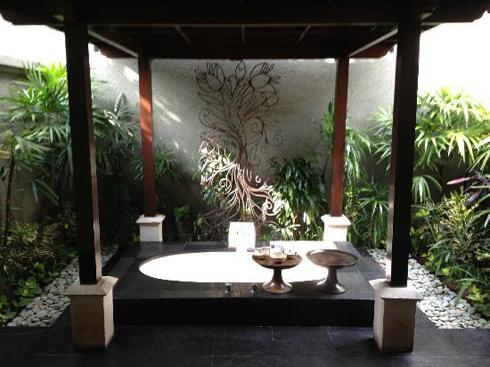 The Ulin Villa & Spa Outdoor Bathup
