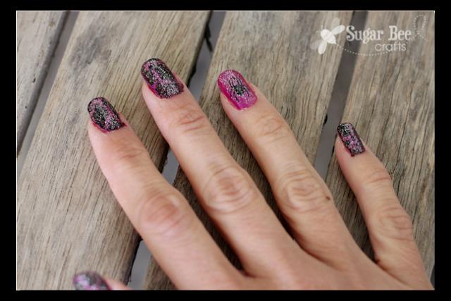 diy+halloween+vinyl+nails+with+mosaic+polish.png