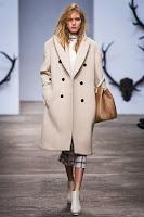 Двуредно дамско палто