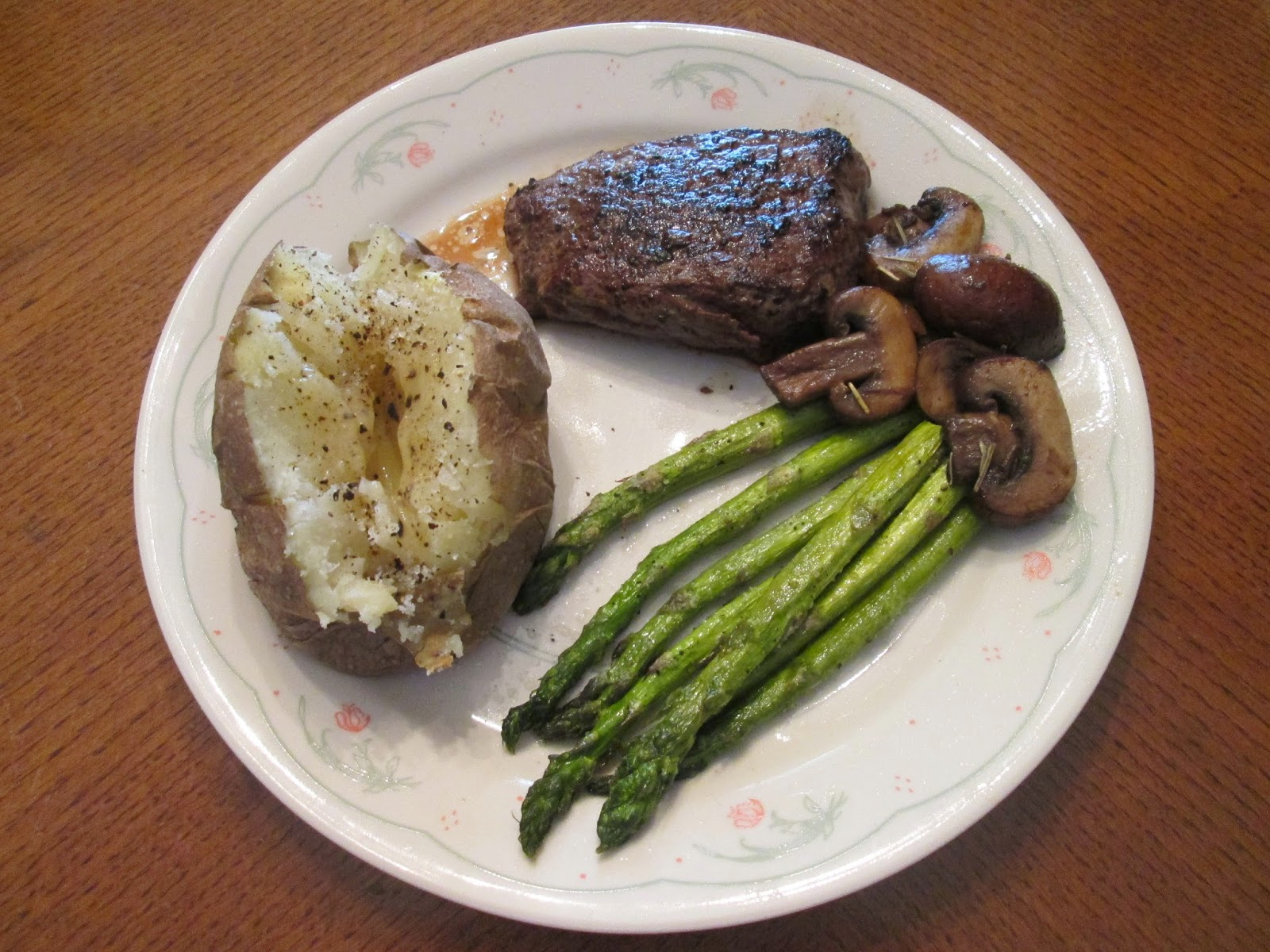 ... Sirloin Steak w/ Sauteed Mushrooms, Roasted Asparagus, and Baked