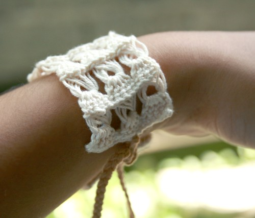 broomstick lace crochet bracelet
