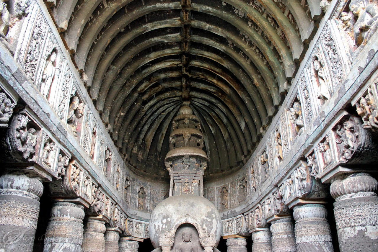The ornate pillars and the vaulted ceiling of Cave 19