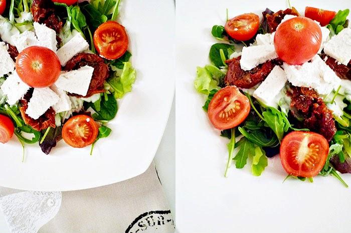 Salat mit Joghurt-Honig-Dressing