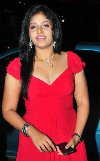Actress Anjali Hot Cleavage Show Images Photos glamour images