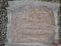 Tronco navideño de ferrero-montaje desenrollando el bizcocho