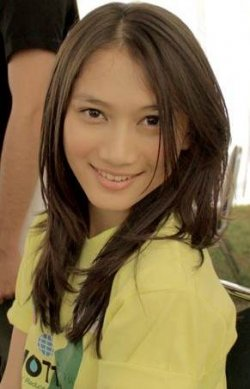 Nah itu tadi sekilas info tentang Foto Selebritis Cantik Melody JKT 48 ...