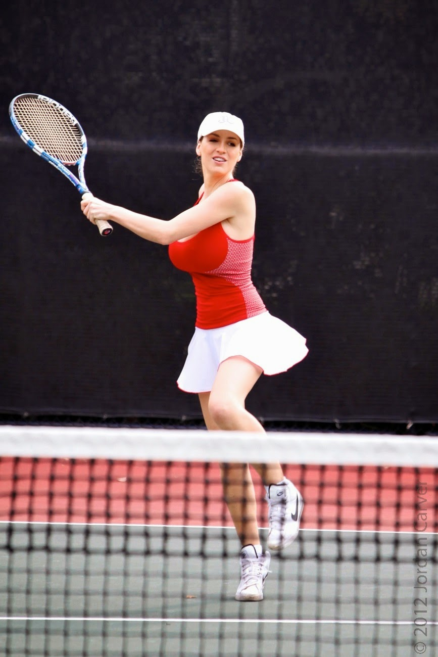 Tennis pro with big boobs