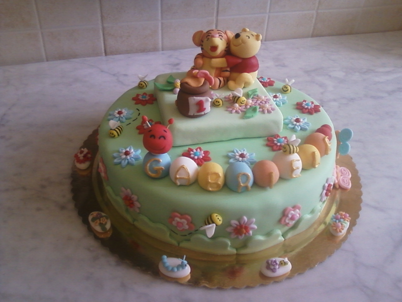 Torta winnie the pooh 2 da cuore dolce su akkiapparicette for Winnie pooh ka che