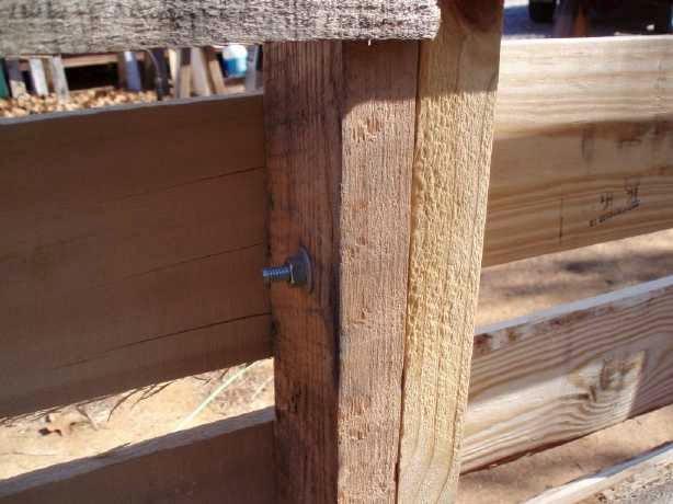Como hacer una caba a o almac n con for Como hacer una valla con palets