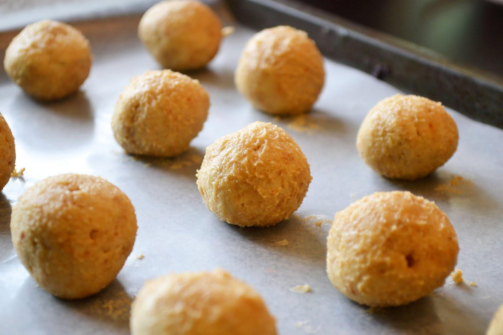 Just Putzing Around the Kitchen: Turtle Cheesecake Truffles