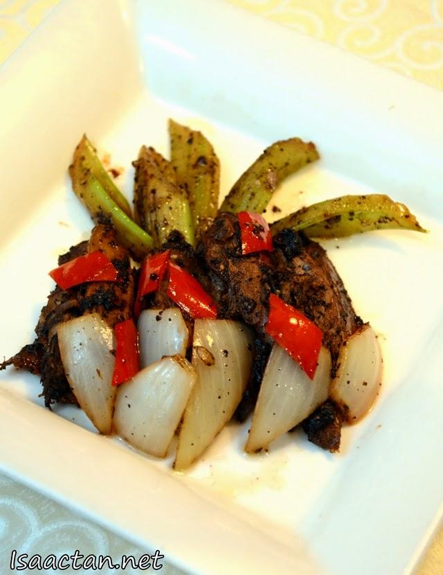 Stir Fried Duck with Fragrant Black Pepper