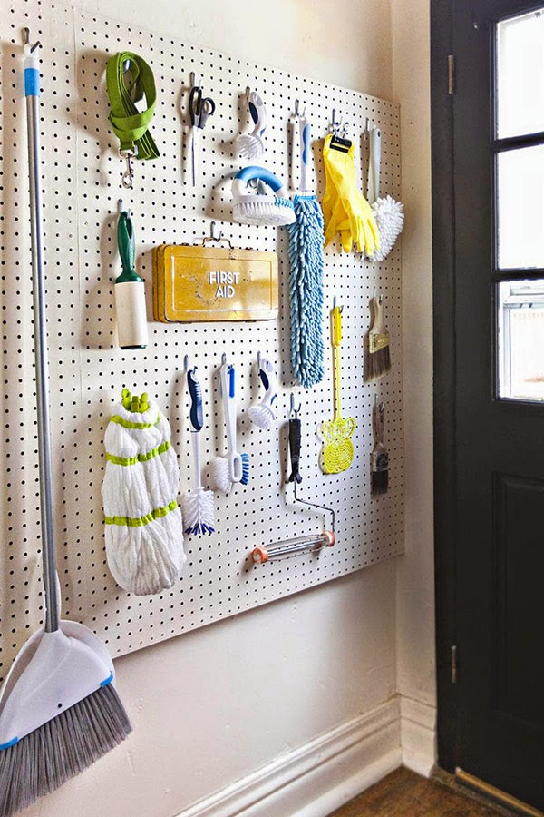lamanugoround-pegboard-laundry-cleaning