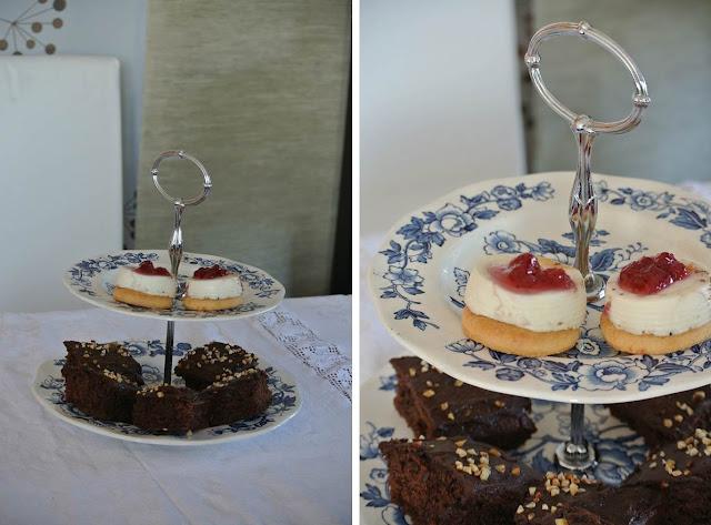 vintage wedgwood cake stand