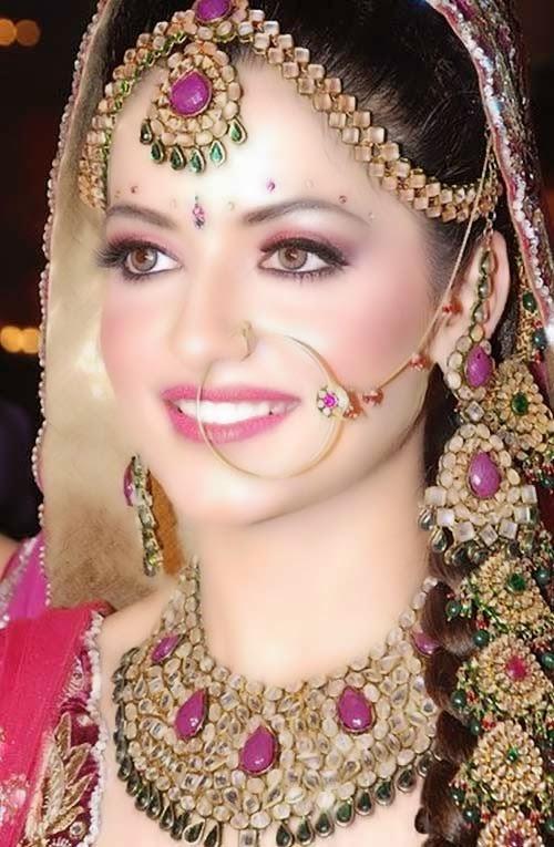 Bridal Makeup Ki Photo : Beautiful Latest Simple Arabic Pakistani Indian Bridal ...
