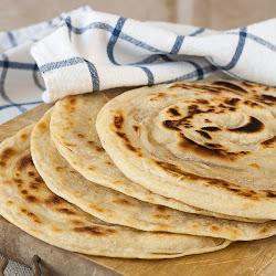 Tanki lisnati indijski hleb sa puterom