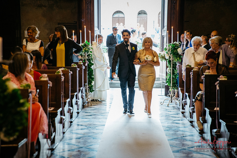 ingresso sposo chiesa matrimonio