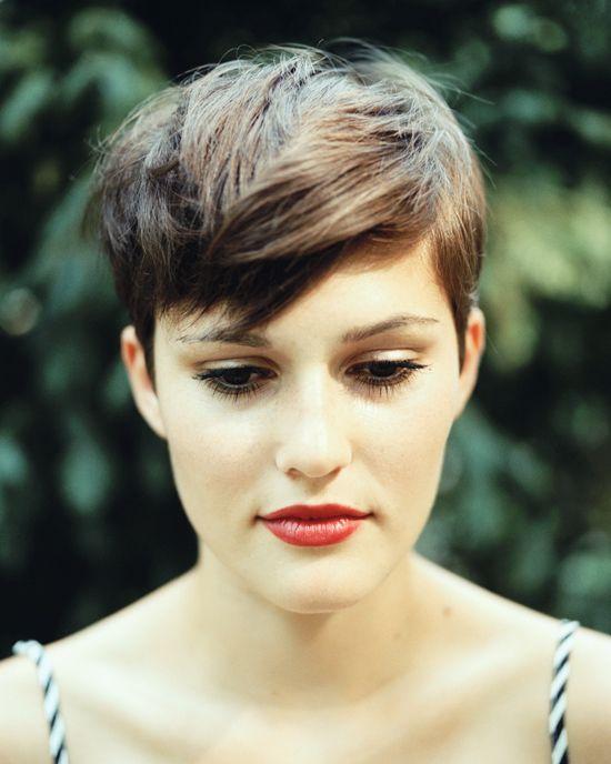 Peinados y cortes de pelo para mujeres con el cabello fino
