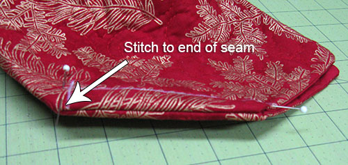 Enclosing the seam - Freemotion by the River