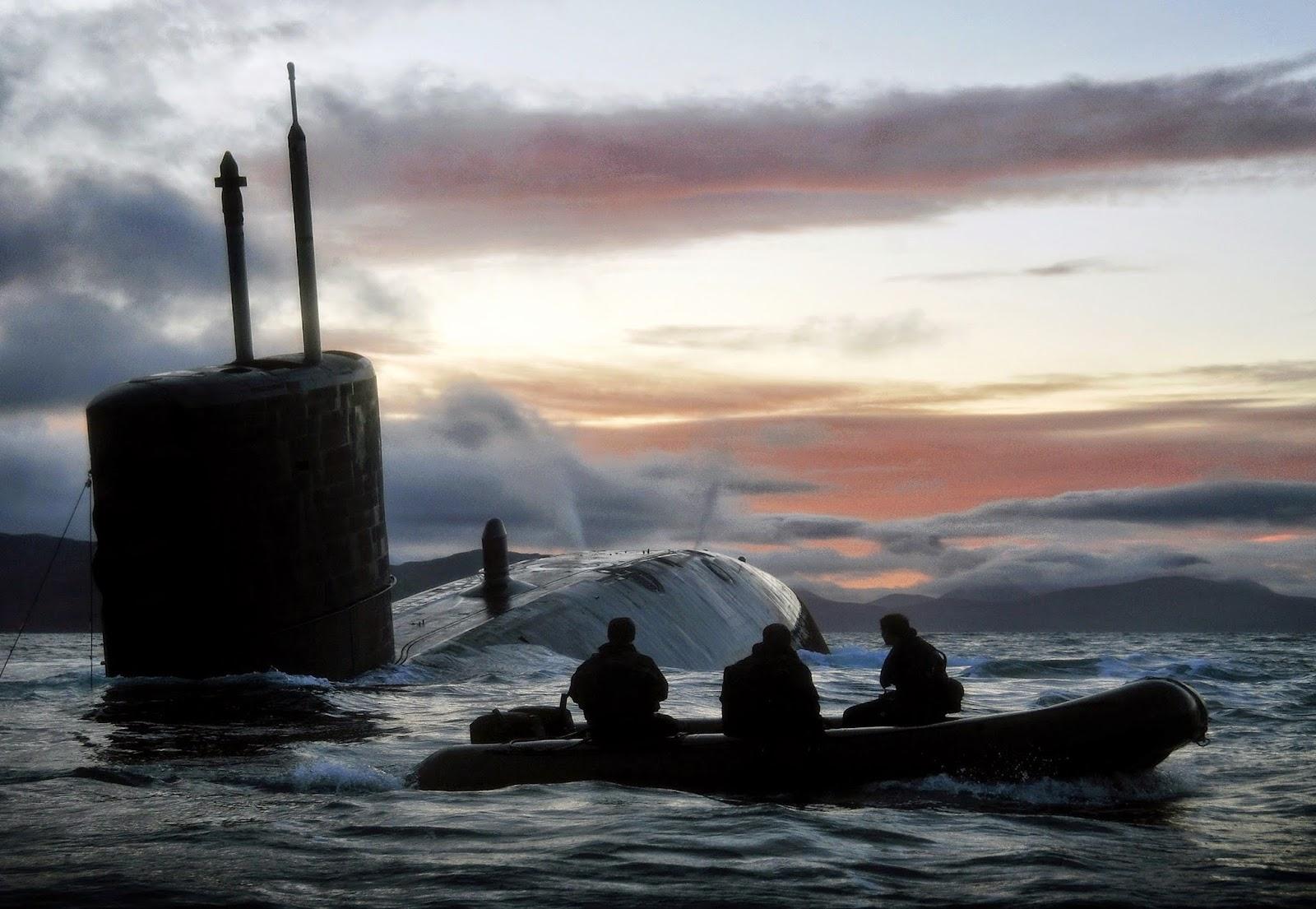 Kapal Selam Nuklir Inggris Rusak Parah Ketika Buntuti Kapal Rusia