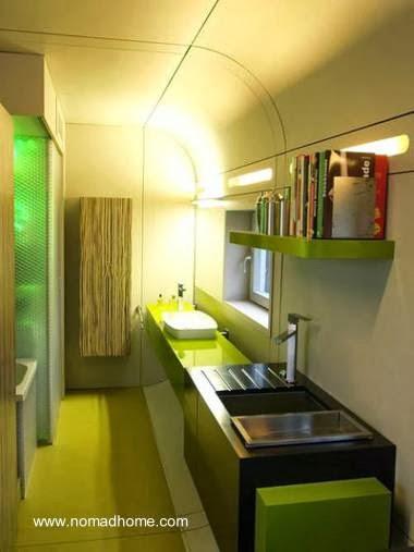 Vista de la cocina de la casa modular austríaca