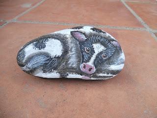 Piedra pintada con Terneros o Vacas