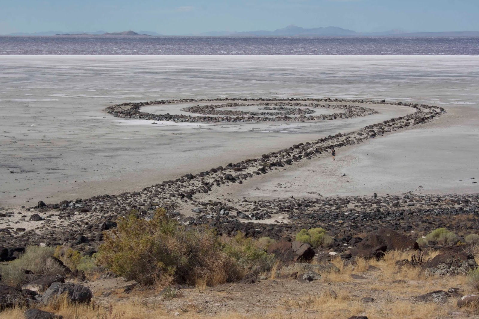 the spiral jetty by robert smithson essay Robert smithson: metaphorical travel smithson wrote an essay called incidents of mirror travel in the yucatan (1969), which spiral jetty (1970.