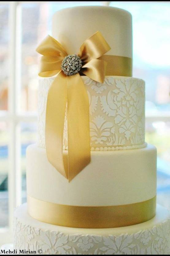 What A Wedding! blog: Winter Wedding Cake Inspiration