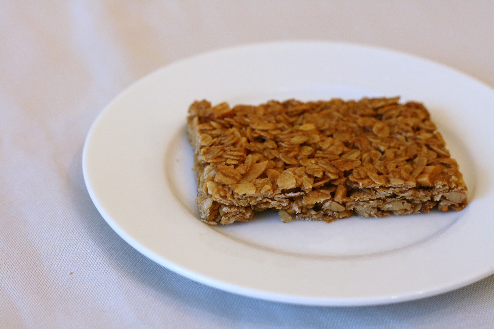 Laine's Recipe Box: Crunchy Peanut Butter Granola Bars