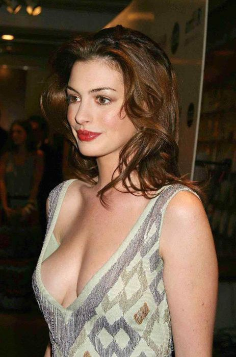 There Are The Pics Collection Of Famous Celebrity Cleavage Must See