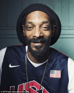 Snoop Dogg changes name to Snoop Lion