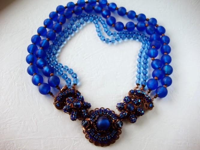 vintage Swarovski mdmButiik rhinestone jewelry jewellery designer handicraft Estonia Bijoux Collier bleu perles ancienne de verre crystal Halskette perlen gla steine Swarovksi