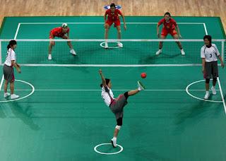 http://www.tutorialolahraga.com/2015/11/sejarah-perkembangan-sepak-takraw.html