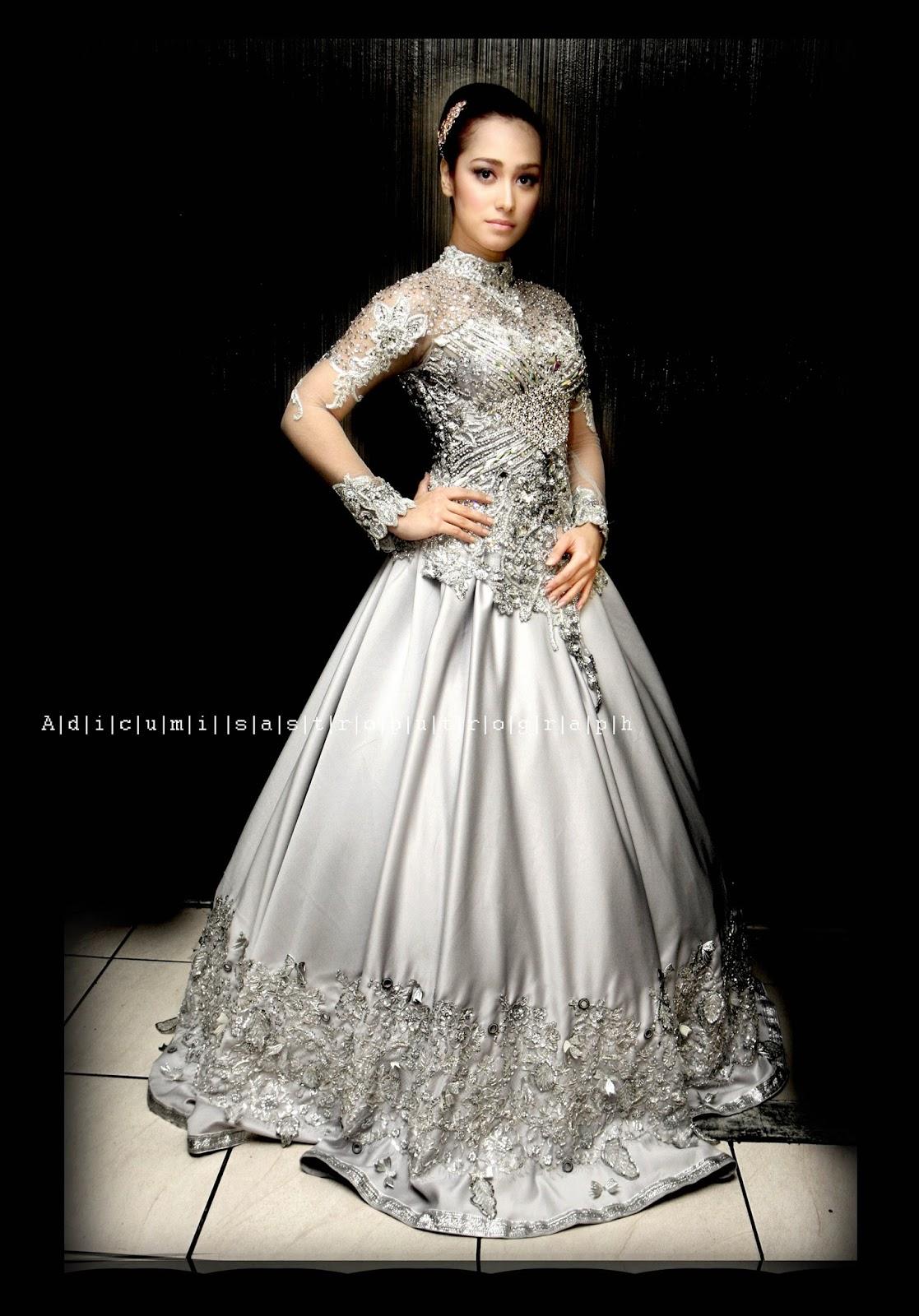 Model Baju Kebaya Koleksi Kebaya Anne Avantie Gambar | Tattoo Design ...