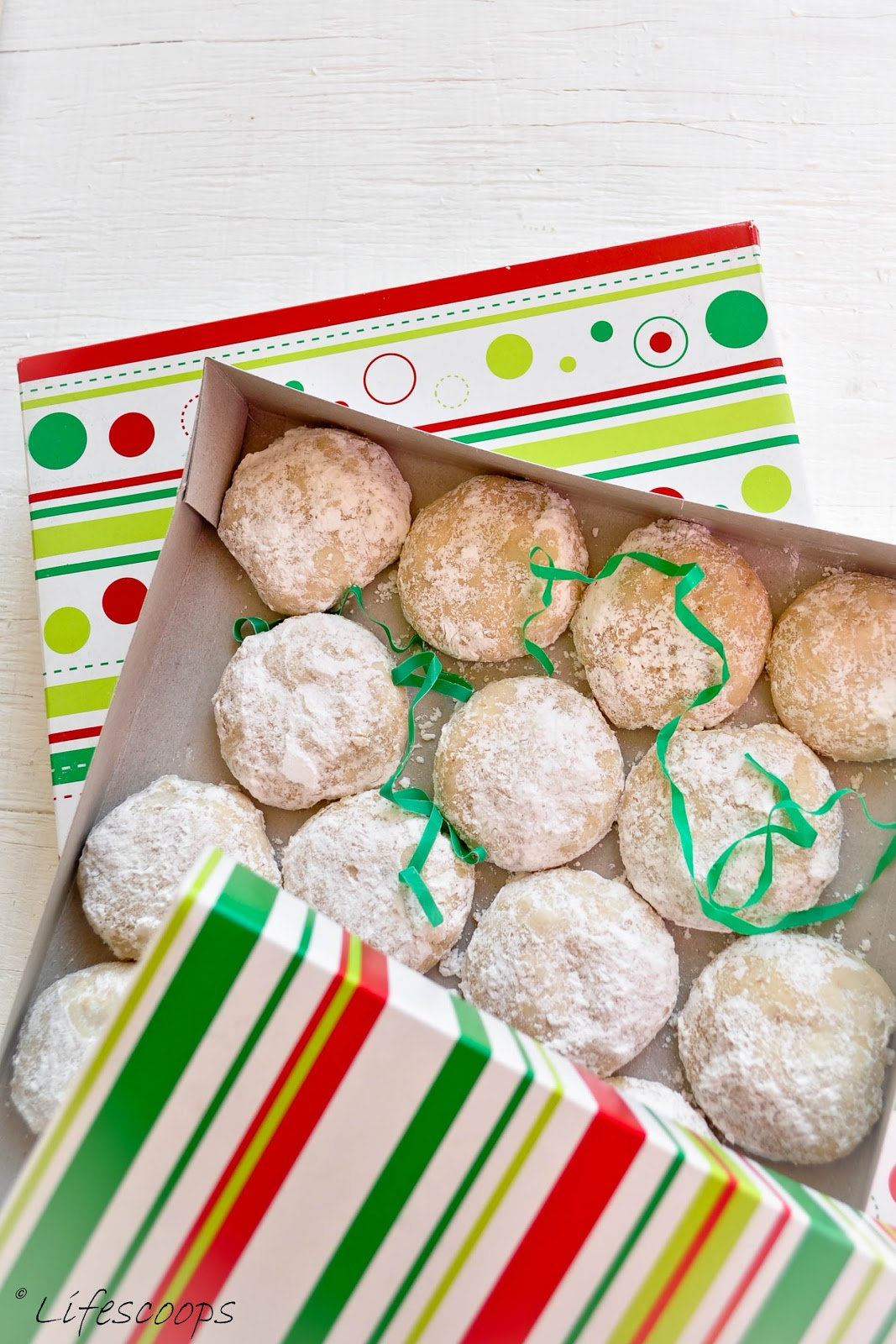 life scoops italian wedding cookies mexican wedding cake cookies snowball cookies russian. Black Bedroom Furniture Sets. Home Design Ideas