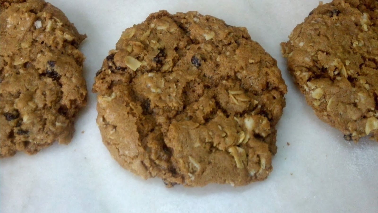 salted sugared spiced™: Oatmeal Currant Cookies