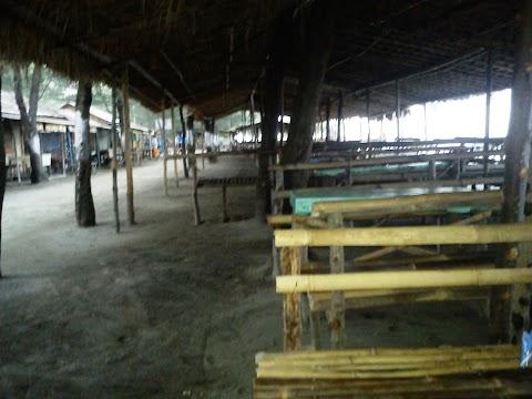 Wisata Pemalang - Keteduhan Jadi Keunggulan Pantai Sumur Pandan di Desa Nyamplungsari