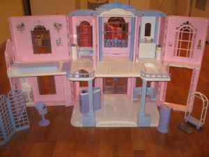 Barbie Hotel Dollhouse