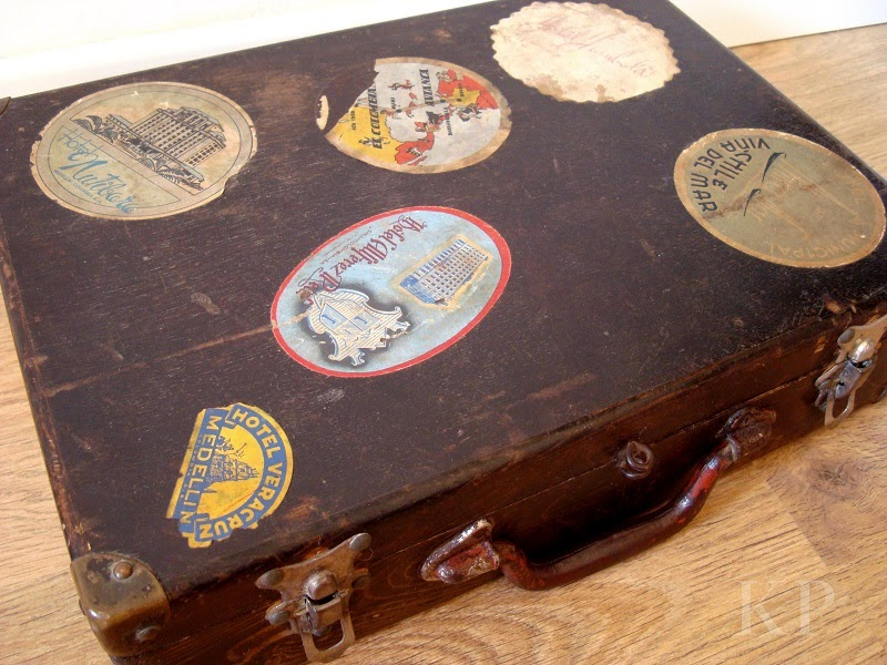 Comprar maleta vintage con pegatinas