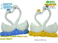 Tempelan Kulkas Swan Love