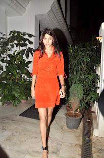 Anushka Sharma at Ranbir kapoor's birthday bash