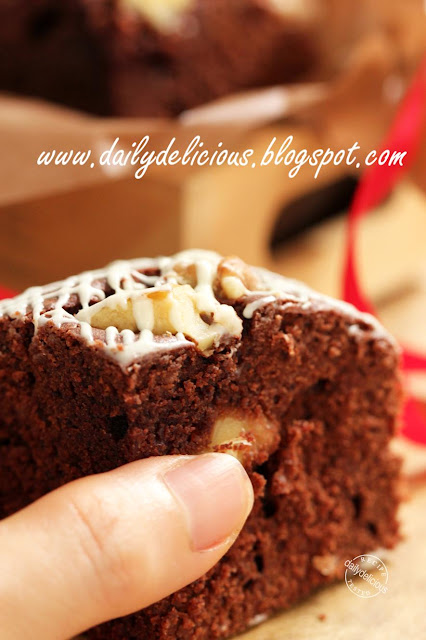 Kahlua White Chocolate Valentine Cake Recipe