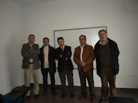 Alcalde con el equipo técnico responsable de la obra