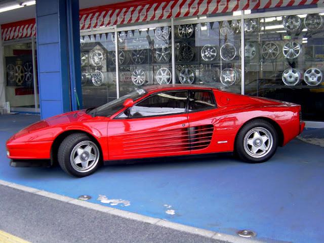 Classic Cars -Ferrari Testarossa