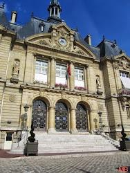 *La Mairie de Suresnes*