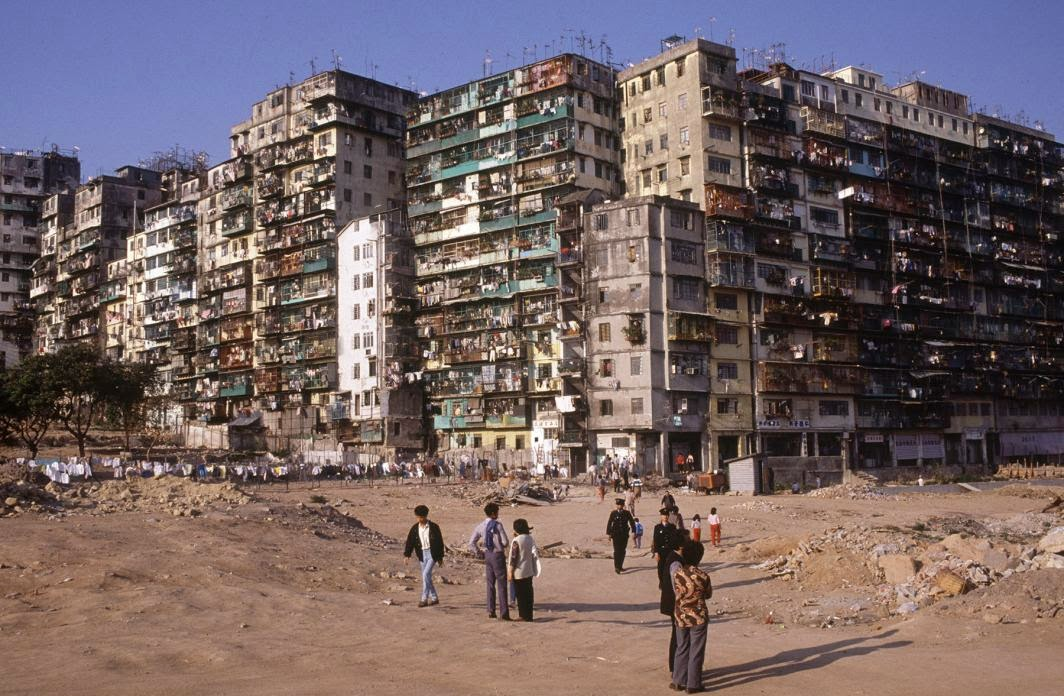 amazing photographs capture daily life in kowloon walled. Black Bedroom Furniture Sets. Home Design Ideas