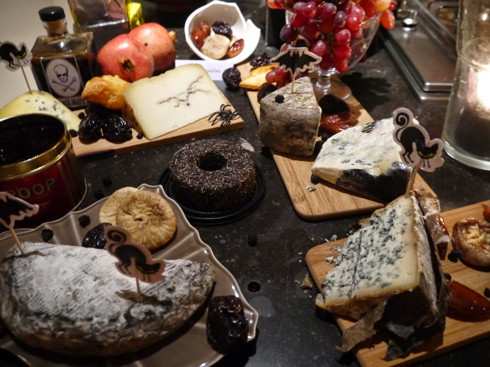 rotten cheese platter for Halloween by Appetit Voyage
